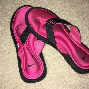 Nike Cushioned Flip Flop